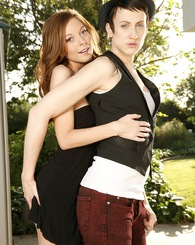 Scarlettfay as Lindsay Lohan and Dylan Ryan as Samantha Ronson