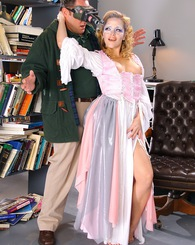 Sweet blond Alexis Texas gets worked hard from behind
